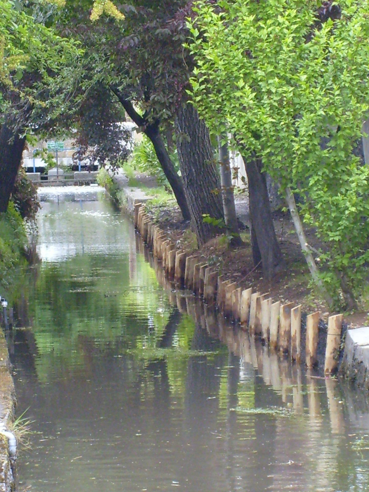 amenagement-canal-du-charran-juin-07